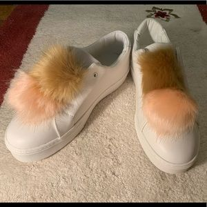 NEW Sam Edelman fur ball leather sneaker